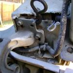 2004 Volvo Tractor Hood Hinge (1)